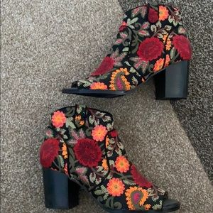 Crown Vintage Booties